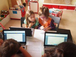 Travaille de création d'un récit collaboratif à l'école élémentaire de Champagné Saint Hilaire