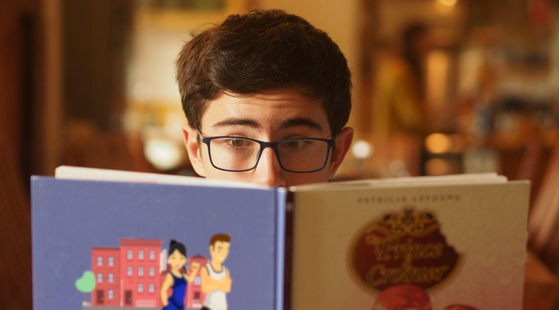 Livre à personnaliser, atelier d'écriture en ligne pour enfant et adolescent, Scéal studio